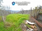 Habitable house with garden for sale in the medieval village Castelbottaccio, Molise 23