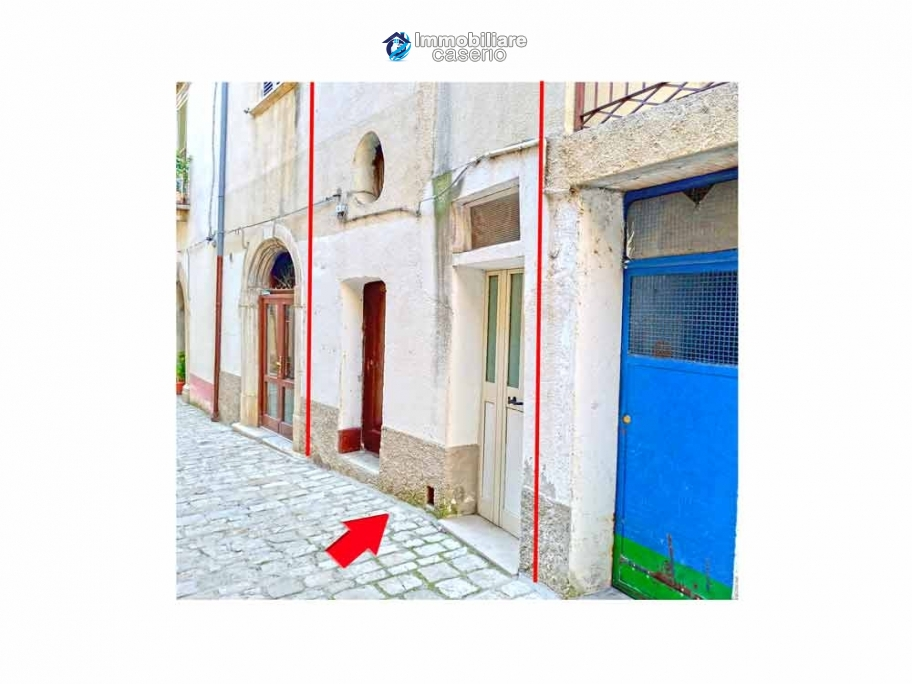 Town house for sale a few steps from the center of Lupara, Molise