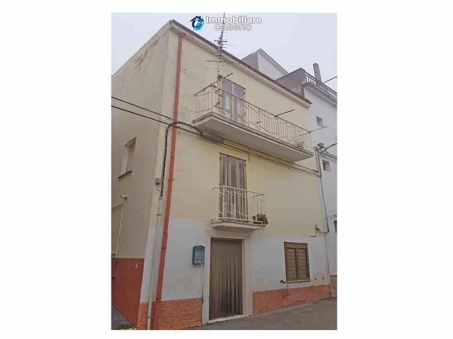 Habitable and perfect town house for sale in Palata, Molise