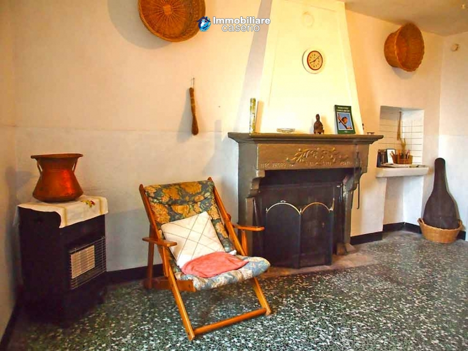 Traditional stone village house for sale in Abruzzo, Italy