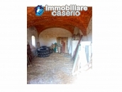 Ancient and spacious stone farmhouse located in a very scenic area for sale Molise 11