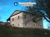 Ancient and spacious stone farmhouse located in a very scenic area for sale Molise 2