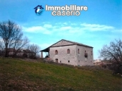 Ancient and spacious stone farmhouse located in a very scenic area for sale Molise 3