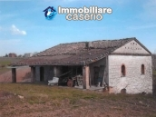 Ancient and spacious stone farmhouse located in a very scenic area for sale Molise 4