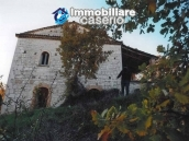 Ancient and spacious stone farmhouse located in a very scenic area for sale Molise 5