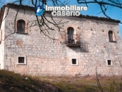 Ancient and spacious stone farmhouse located in a very scenic area for sale Molise 6