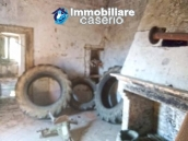 Ancient and spacious stone farmhouse located in a very scenic area for sale Molise 7