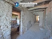 Town House with terrace, garden and garage for sale in the Molise Region, Italy 10