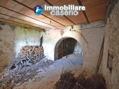 Town House with terrace, garden and garage for sale in the Molise Region, Italy 11