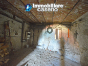 Town House with terrace, garden and garage for sale in the Molise Region, Italy 12