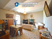 Town House with terrace, garden and garage for sale in the Molise Region, Italy 20