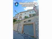 Town House with terrace, garden and garage for sale in the Molise Region, Italy 39