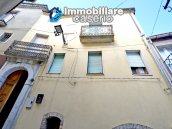 Town House with terrace, garden and garage for sale in the Molise Region, Italy 4