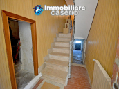 Town House with terrace, garden and garage for sale in the Molise Region, Italy 5