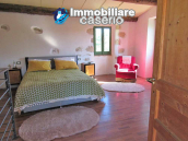 Stone country house in an secluded sunny position for sale in Pescara 5