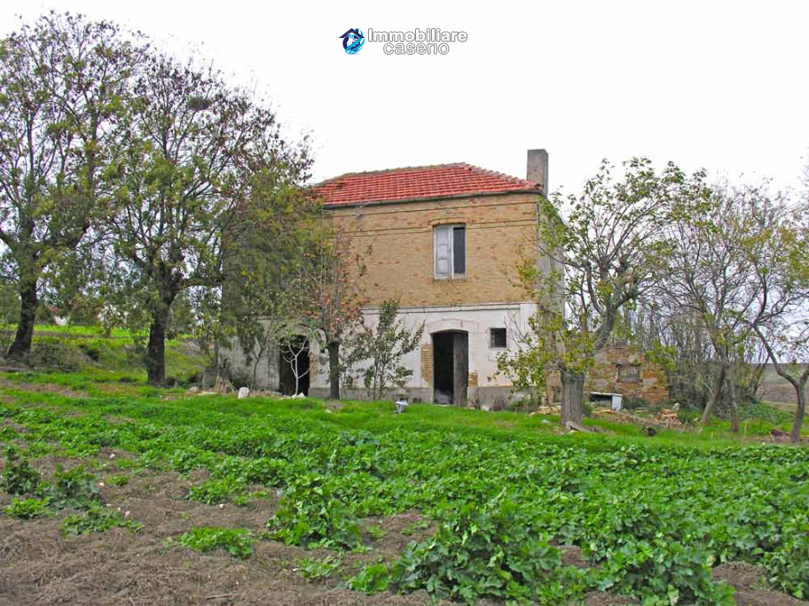 Country house for sale in the Abruzzo Region, Gissi