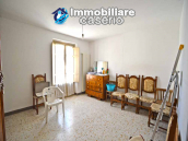Two-storey house with cellars for sale in Tavenna, Molise 3