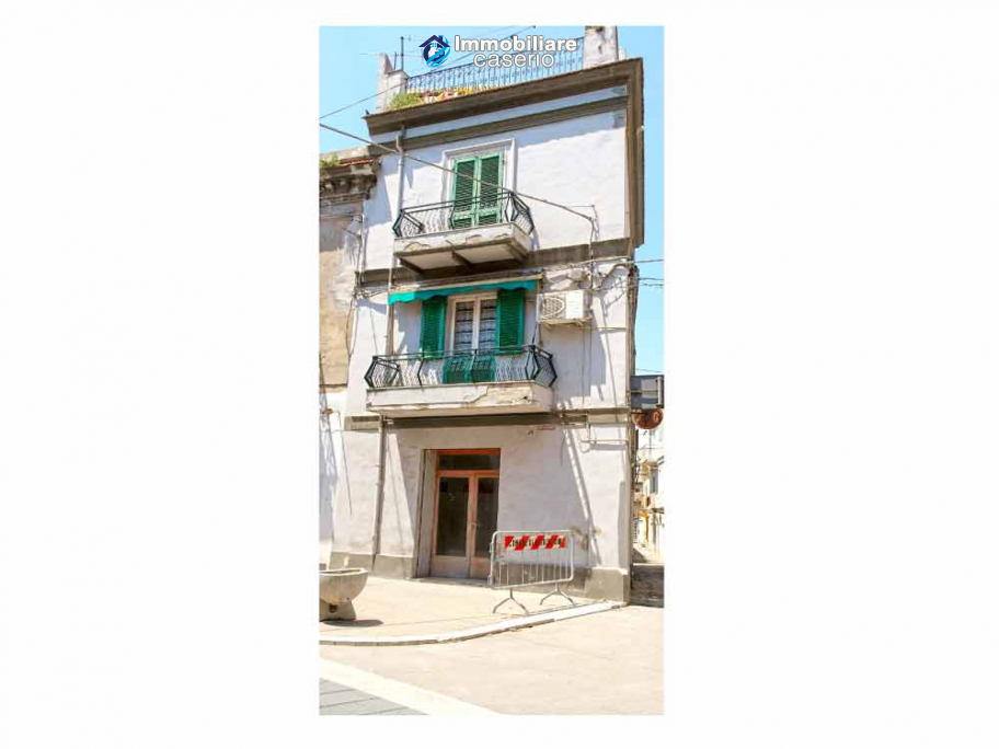 Single house with business premises and panoramic terrace for sale Casalbordino