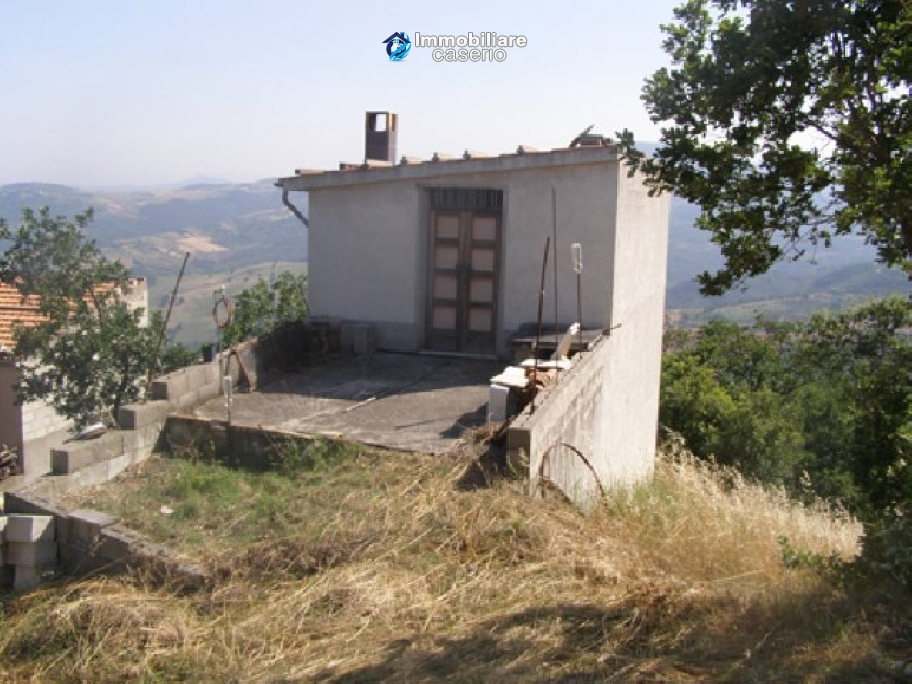 Townhouse with lovely view for sale in Abruzzo