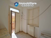 Independent country house with garages, terrace and land for sale in Molise Region 10