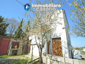 Independent country house with garages, terrace and land for sale in Molise Region 2