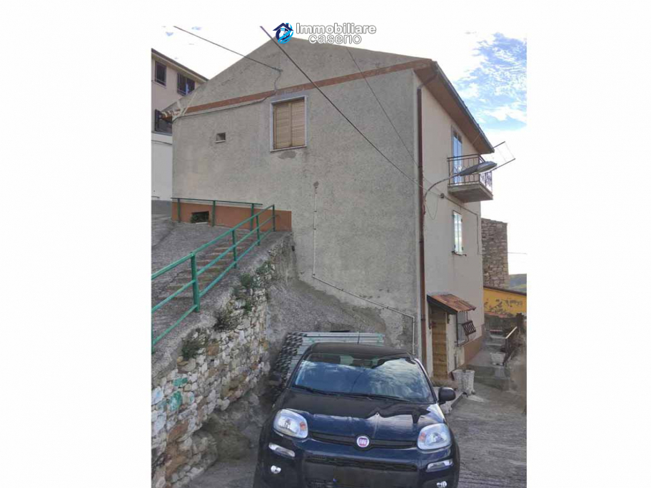 Independent house consisting of two residential units for sale Molise