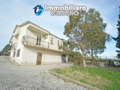 Independent house surrounded by greenery for sale Montenero di Bisaccia, Molise 2