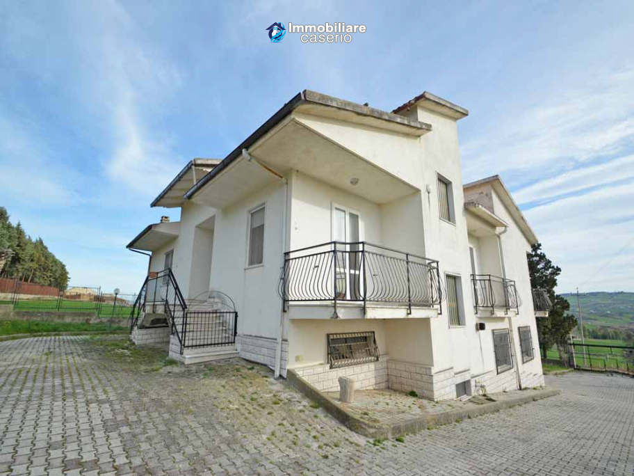 Independent house surrounded by greenery for sale Montenero di Bisaccia, Molise