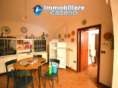 Country house with garden for sale in Pollutri, 15 minutes from the sea, Abruzzo 9