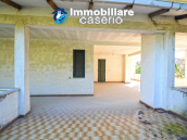 Country house with garden for sale in Pollutri, 15 minutes from the sea, Abruzzo 38