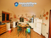 Country house with garden for sale in Pollutri, 15 minutes from the sea, Abruzzo 8