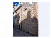 House in the village with adjacent garden for sale in the Molise Region 2