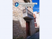 House in the village with adjacent garden for sale in the Molise Region 3