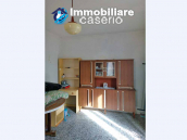 House in the village with adjacent garden for sale in the Molise Region 8