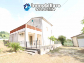 Habitable house with land and garage/outbuilding for sale in the Abruzzo region 1