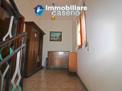 Habitable house with land and garage/outbuilding for sale in the Abruzzo region 11