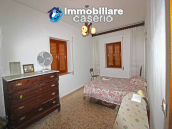 Habitable house with land and garage/outbuilding for sale in the Abruzzo region 12