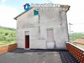 Habitable house with land and garage/outbuilding for sale in the Abruzzo region 14