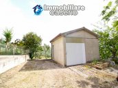 Habitable house with land and garage/outbuilding for sale in the Abruzzo region 2