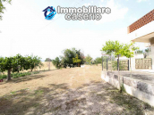 Habitable house with land and garage/outbuilding for sale in the Abruzzo region 3