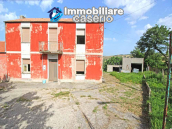 Property with garage and fenced garden for sale in the Abruzzo Region 3