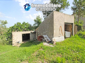 Property with garage and fenced garden for sale in the Abruzzo Region 4