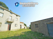 Country house for sale in Atessa, with panoramic terrace on the Abruzzo hills, Italy 2