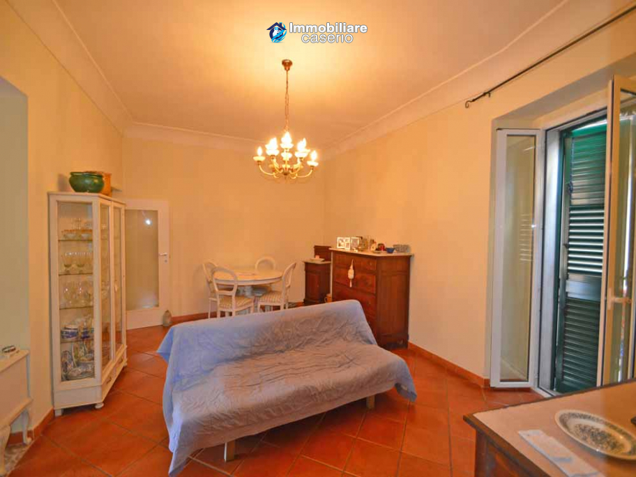 Renovated town house with terrace for sale in the center of Casalbordino, Italy