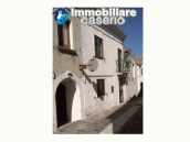 Town house ready to be habitable for sale in the Abruzzo, 20min. from the sea 1