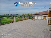 House with large terrace and garden for sale just a few km from the Adriatic Sea 11