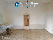House with large terrace and garden for sale just a few km from the Adriatic Sea 8