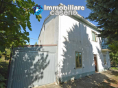 Spacious house with land and garage for sale in the Abruzzo Region, Italy 1