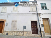 Town house with views of the hills for sale in the Abruzzo region 13