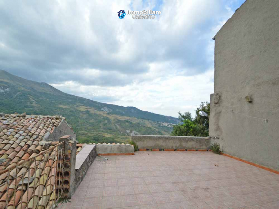 Ancient stone house with panoramic terrace for sale in Abruzzo